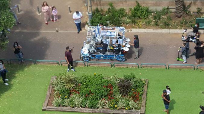 מכונית הקצב - בום קאר ביום העצמאות בסגר 3